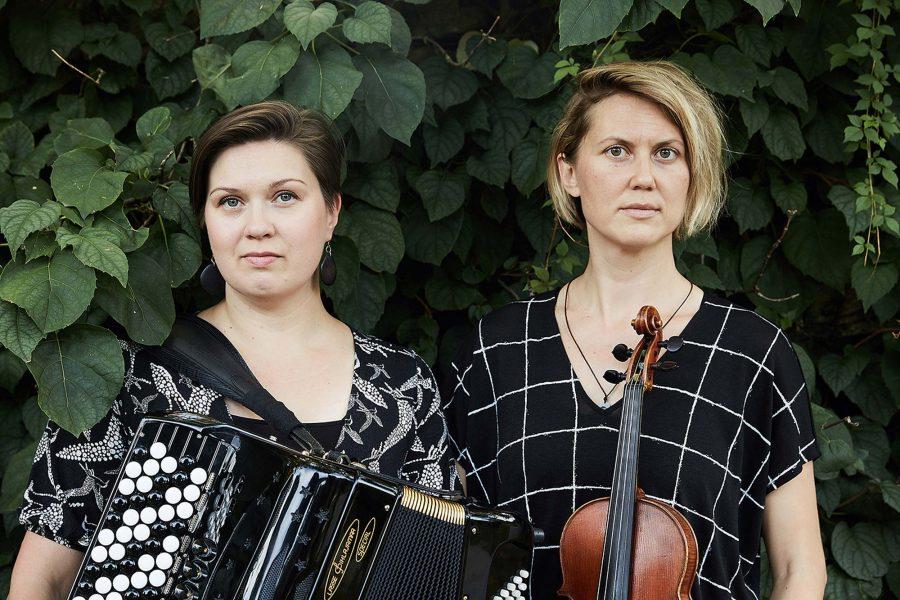 Aallottaren Teija Niku ja Sara Pajunen.